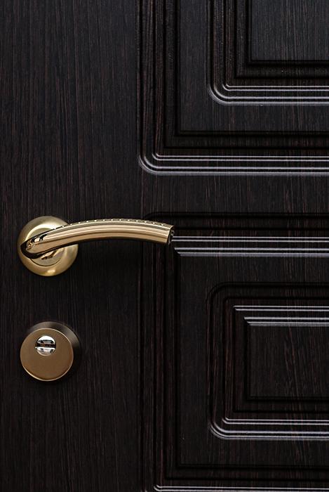 двери металлические внутри мдф